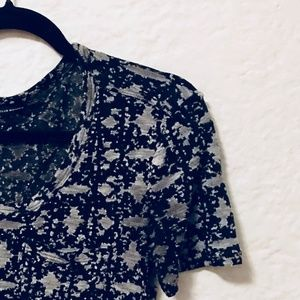 CLUB MONACO Gray/Black Patterned Top XS